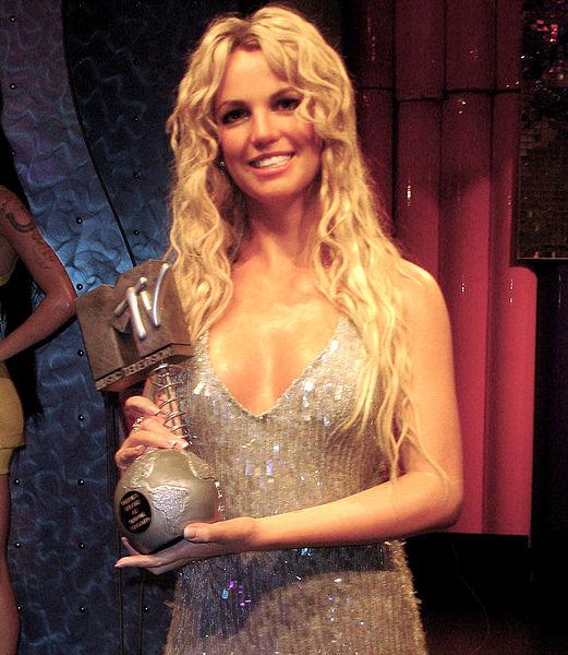 Britney Spears Runs Background Check on New Boyfriend