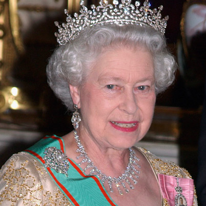 queen elizabeth gets massive pay raise