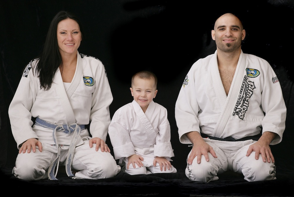 (Mauricio Zingano [right], shown here with his wife Cat and their son Brayden. / Photo via zinganobjj.com)