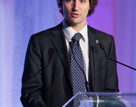 Justin Trudeau condemns attack on Refugees