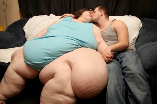 Fattest Woman: 765lb Charity Pierce in race to marry young lover (PHOTO)