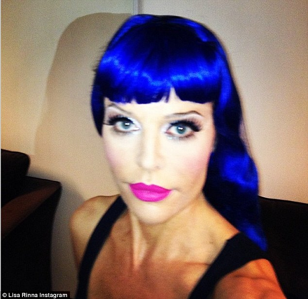 lisa rinna katy perry look:  Rinna Posts Perry Inspired Pic On Instagram