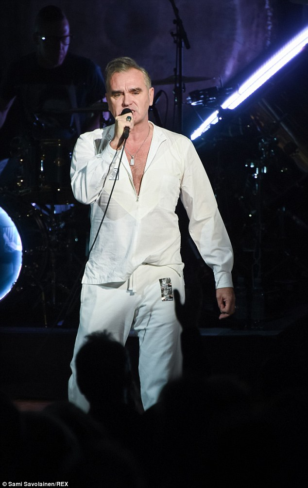 morrissey storms off stage after abuse from a fan