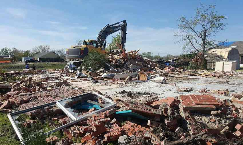 Demolition Wrong House : Tornado wrong home demolished in rowlett ecanadanow