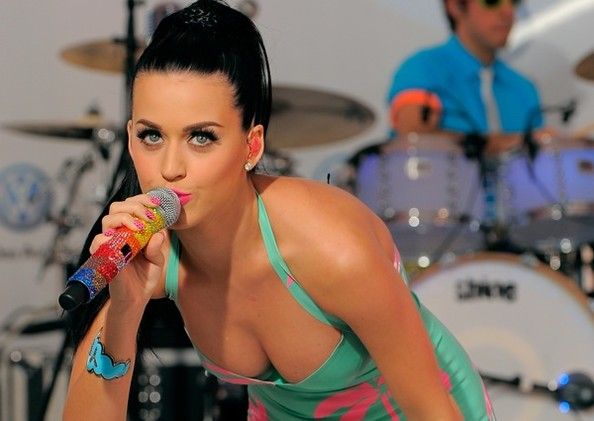 Katy Perry Sexuality:  Told To 'Pray The Gay Away'